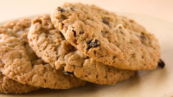 Oatmeal-Raisin Cookies - Grandparents.com