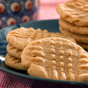 Spritz Cookies Recipe Spritz cookies are a classic Christmas cookie. For truly authentic spritz cookies, be sure to invest in a cookie press to get that oh-so-perfect shape.