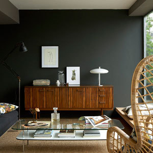 12 easy ways to make a small room look bigger. Black Bedroom Furniture Sets. Home Design Ideas