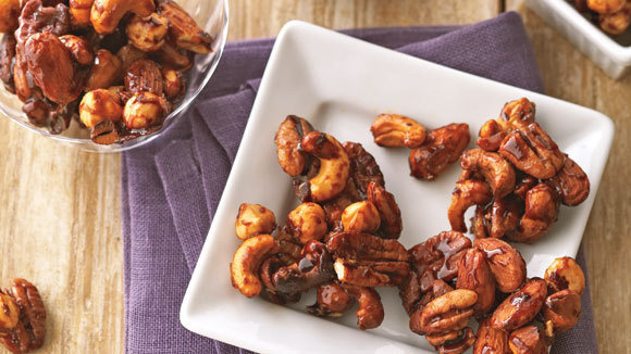 Slow Cooker Fiery Chili Mixed Nuts