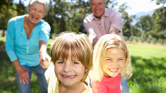 8 activities kids love to do with grandparents | Considerable