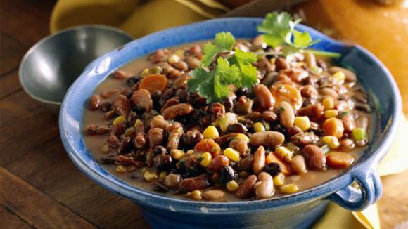 Slow Cooker Vegetarian Chili - Grandparents.com